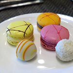 French Macaroons & Choco Truffle (not Buffet items)