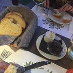 Bilde fra Kuzina Galerie Traditional Restaurant