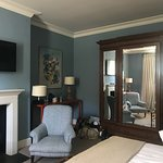 Pimlico Main building.  Large room & spacious en suite bathroom. Furnishings & decor in keeping
