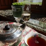 Tea and champagne!!