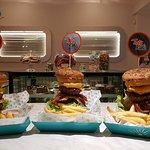 Los que se animan a nuestra Tasty Burger Extreme!