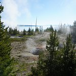 Фотография West Thumb Geyser Basin