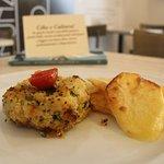 Medaglione di Melanzane, Miglio e semi di Chia con contorno di patate gourmet