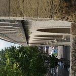 Foto van Aquädukt Saint Clément
