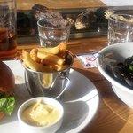 Black Angus Burgeri ja Simpukat aasialaisittain