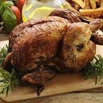 demi poulet rôti grillé aux herbes à manger sur place, ou poulet entier à emporter ou livré à do