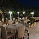 Фотография The Rose Garden Restaurant & Wine Bar