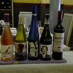 Nuestros vinos de la casa para estas dos semanas siempre variedad y calidad