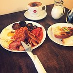 Full Irish Breakfast served until 11:30 Monday-Friday and Saturday all day !