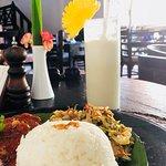 Photo de Asmara Restaurant & Lounge