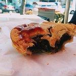Foto van Red Neds Gourmet Pies