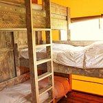 Chambre triple, lits superposés, Chalet toilé Woody, Camping Le Brévedent