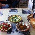 Tala Hummus and Falafel Foto
