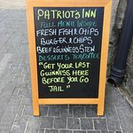 Patriot's Inn sign