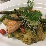 Lachs auf Quinoa