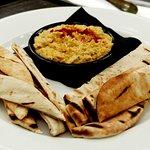 delicious telegraph hummus with pitta bread