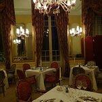 館内のフレンチレストラン