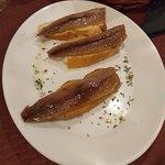 Sardina Ahumada, lomo de ciervo y brownie de chocolate negro con caramelo salado