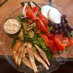 Mediterranean salad with grilled chicken and thousand island dressing