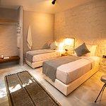 2 adet tek yataklı standard oda