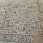 Mosaico all'interno dell'area archeologica connessa al Museo