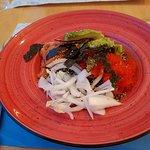 Ensalada de quinoa con aguacate y algas