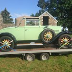 Place pour garer vos ancêtres (si'l y a lieu). C'est une Nash de 1929!