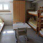Mehrbettzimmer mit Gemeinschaftsbad