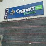 Valokuva: Cygnett Park Di-Arch