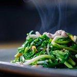 炒山珠蔥 - Stir-fried Shallot Stem