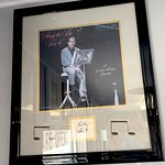 '50s crooner Perry Como picture and signature.