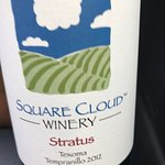Square Cloud Winery Foto