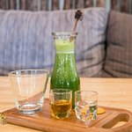 Cold pressed: Chlorophyll detox (No water ,No syrup added