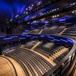 Selçuklu Kongre Merkezi'nin bir diğer salonu doğal akustik özelliğe sahip olan Konya Oditoryumu.