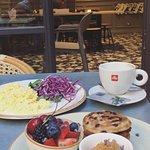 Shake Cafe의 사진