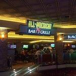 ภาพถ่ายของ All-American Bar & Grille