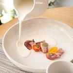 All blanc suau ventresca de tonyina confitada i raïm