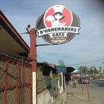D' Home Maker's Cafe