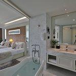 Junior Suite River View (twin) - Bathroom