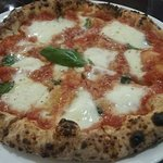 Margherita pizza from Mexita