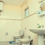 Private bathroom for Faru 6-bed dorm