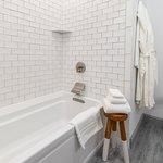Spacious Hoxie House bathrooms feature air-jet soaking tubs.