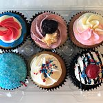 4th of July festive cupcake special flavors by Flavor Cupcakery