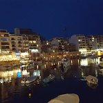 Spinola Bay à noite
