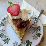 Strawberry & Elderflower Cake at Tealicious Tearoom (30/Jun/18).