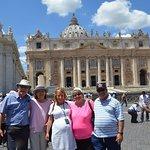 Suite à la visite de la Basilique St-Piere de Rome, de la Chapelle Sixtine, et des musées.