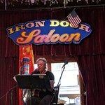Foto van Iron Door Saloon and Grill