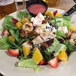 Hofbrauhaus market salad with grilled chicken breast