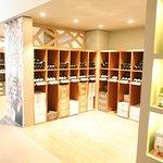 Concept original, restaurant et boutique de vente de vins