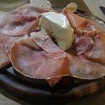 Culaccia con pannacotta al Parmigiano